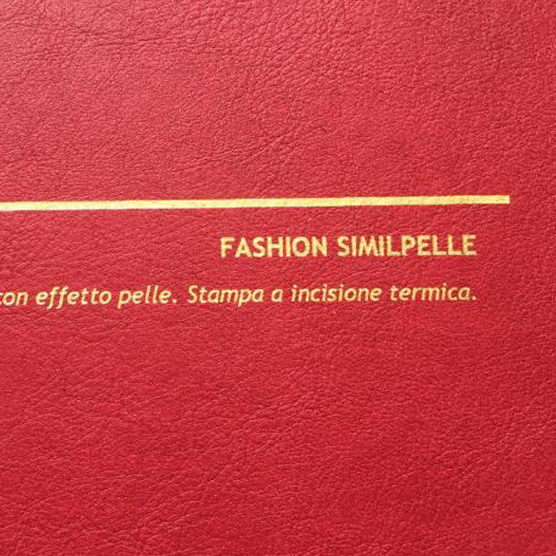 COVER FASHION SIMILPELLE ROSSO: copertine rivestite con un elegante e prestigioso materiale termovirante sintetico con effetto pelle.