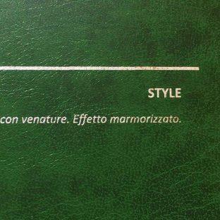 COVER STYLE VERDE: copertine rivestite in balacron marmorizzato con finitura in similpelle con venature