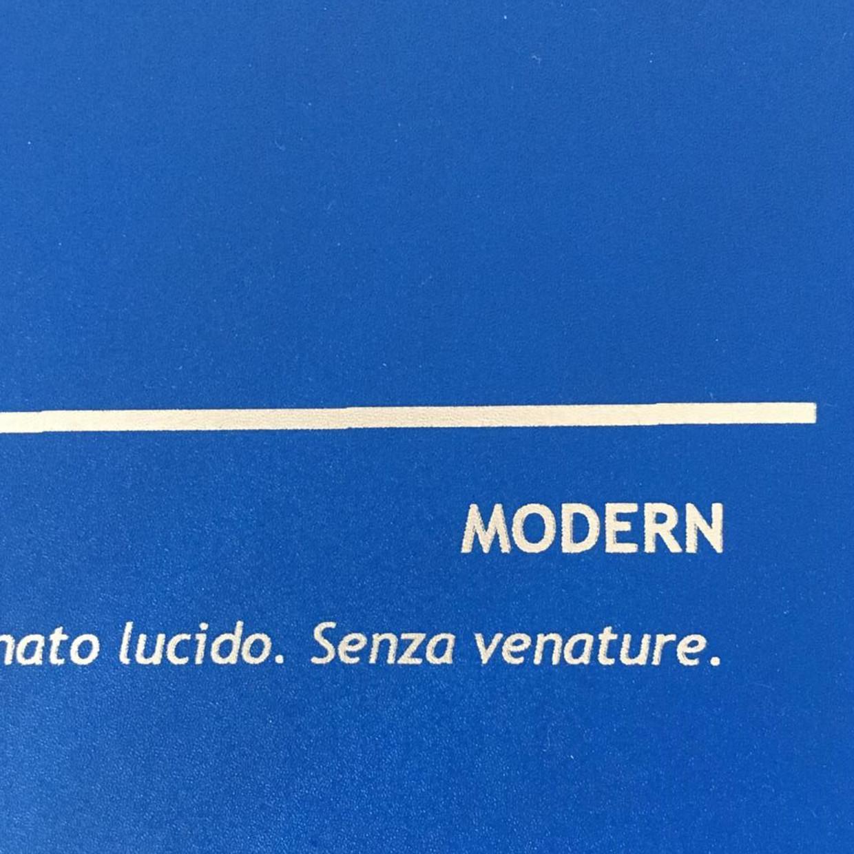 COVER MODERN BLU ELETTRICO: copertine rivestite in balacron satinato lucido.